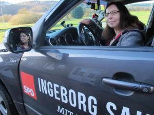 Wahlkampf-Werbung in eigener Sache macht Ingeborg Sahler-Fesel derzeit auf ihrem Auto. TV-Foto: Albert FollmannFoto: (h_tl )